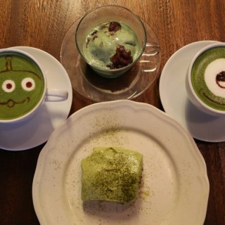 green tea latte,green tea tiramisu,green tea affogato - 位於的Cafe R&C (銅鑼灣) | 香港