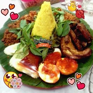 Tumpeng ultah  - Slipi's Java Kitchen (Slipi)|Jakarta