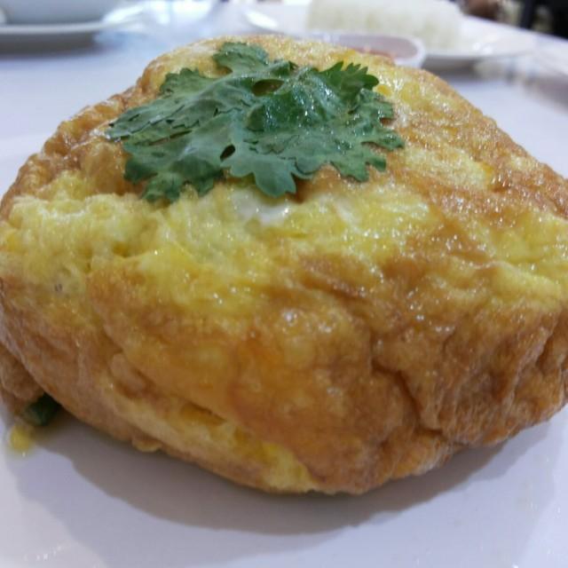 Crab Omelette..(ไข่ฟูปู ) - ครัวอัปษร - Casaul Dining - Bowon Niwet - Bangkok