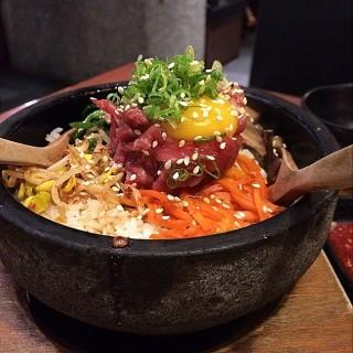 生牛肉石頭飯 - Causeway Bay's Wako Japanese Yakiniku Restaurant (Causeway Bay)|Hong Kong