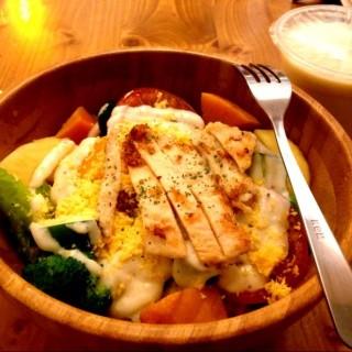 凱薩木碗沙拉 -  dari 桔吉力早餐廚房 (西區) di 西區 |Yunlin / Chiayi