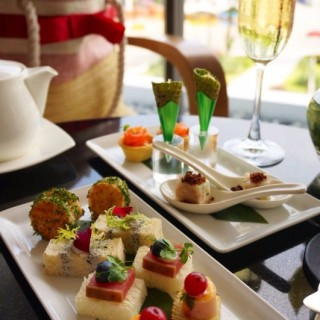 Mandarin Oriental Afternoon Tea for Two - City Hall's Axis Bar and Lounge (City Hall)|Singapore