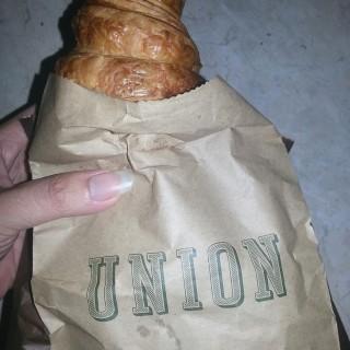 Croissant - ใน จากร้านUnion (Senayan)|Jakarta