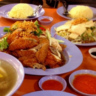 Chicken Rice -  dari Delicious Boneless Chicken Rice - Katong Gourmet Centre (Joo Chiat) di Joo Chiat |Singapura