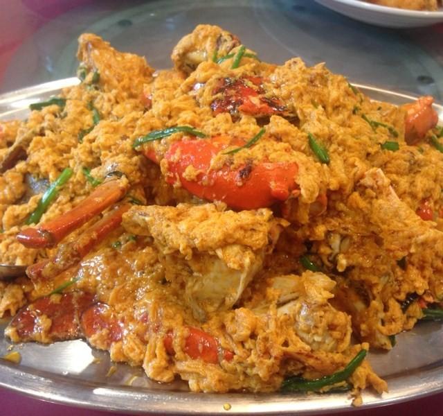 ปูผัดผงกะหรี่ - Samyan Seafood - Casaul Dining - Chong Non Si - Bangkok