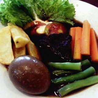beef steak ala Solo -  dari Essen Choco Pot (Bugisan) di Bugisan |Yogyakarta