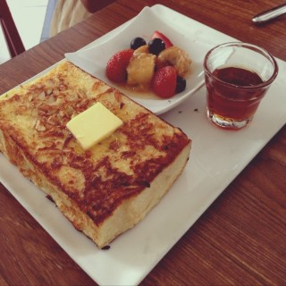 Classic French Toast - ในSri Hartamas จากร้านThe Red Beanbag (Sri Hartamas)|Klang Valley