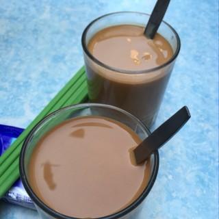 Hong Kong Style Milk Tea 港式奶茶 - 位於大坑的炳記茶檔 (大坑)   香港