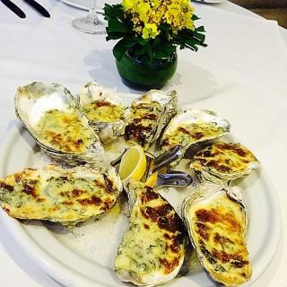 Oyster Rockefeller  -  dari Olio Bar & Restaurant (Banilad) di Banilad |Cebu