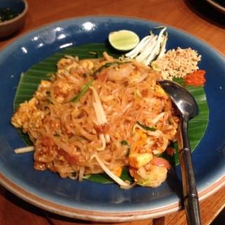 Pad thai - ในSenayan จากร้านChandara Thai Fine Dining (Senayan)|Jakarta