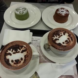 Hot Chocolate Brownies & red bean matcha lava & chocolate lava  - 位於西貢的McCafe (西貢)   香港