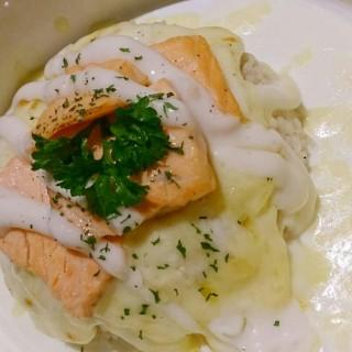 Salmon Baked Rice - 位於Pondok Indah的Nanny's Pavillon (Pondok Indah) | 雅加達