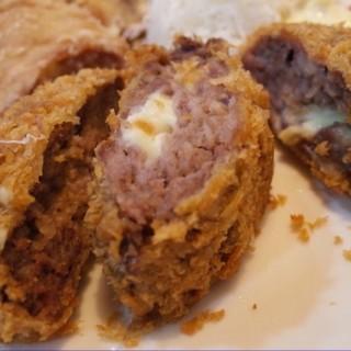 超值定食(炸雞塊+炸起司漢堡排) - 位於中西區的Uta Maro 歌麿定食、丼物、居酒屋料理 (中西區) | 台南