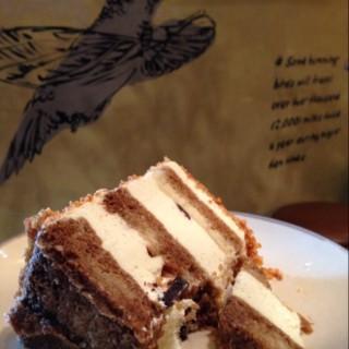 Coffee cheese praline  -  Riau / Hummingbird Eatery & Guesthouse (Riau)|Bandung