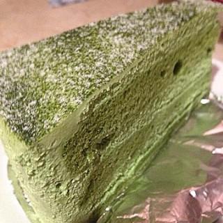 Green Tea Cake -  dari Coffee Beans by Dao (คอฟฟี่ บีนส์ บาย ดาว) (คลองตันเหนือ) di คลองตันเหนือ |Bangkok