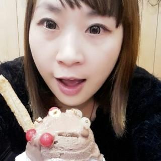 發現巧克力鬆餅好吃好吃  祝大家聖誕快樂 -  dari 米多甜義式冰淇淋 (中壢區) di 中壢區 |Taoyuan