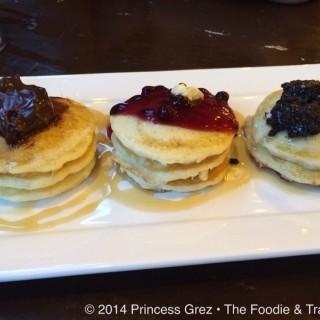 Mixed Flavored Pancakes  -  dari Kanto Freestyle Breakfast (Pasig) di Pasig  Metro Manila