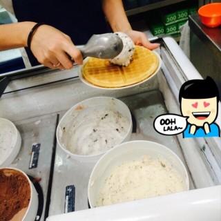 Waffle With Ice Cream -  Ang Mo Kio / Waffles & Snacks (Ang Mo Kio)|Singapore