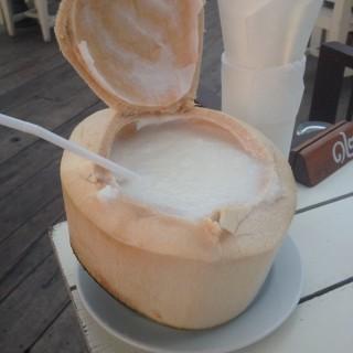 น้ำมะพร้าวปั่น - 位于บางขุนพรหม的Kin Lom Chom Sa Phan (บางขุนพรหม) | 曼谷