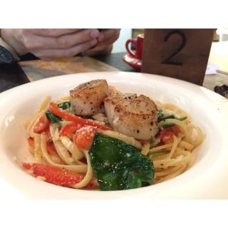 Scallop Spaghetti - ในArab Street จากร้านArtistry (Arab Street)|สิงคโปร์