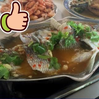 ปลากระพงนึ่งมะนาว - Tha Kham's Ruengrit Seafood (Tha Kham)|Bangkok
