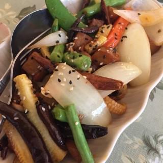 ไก่ผัดมา็ดมะม่วงหิมพานต์ -  dari May Veggie Home (คลองเตยเหนือ) di คลองเตยเหนือ |Bangkok