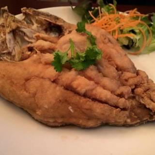 ปลากระพงทอดน้ำปลา - Bang Kloy's ครัว ณ ราชพฤกษ์ (Bang Kloy)|Bangkok