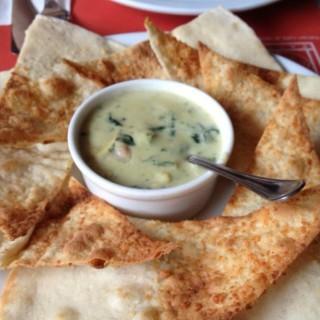 Crostini with Spinach Artichoke Dip - Greenhills 's Pasto (Greenhills )|Metro Manila