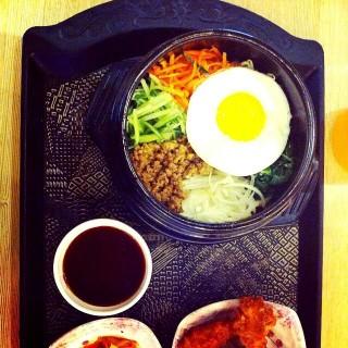 Bibimbap - Cihampelas's Mujigae - Bibimbab & Casual Korean Food (Cihampelas)|Bandung