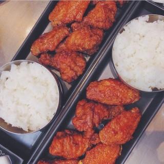 ไก่ทอดบอนชอน - Tha Raeng's BonChon Chicken (บอนชอน ชิคเก้น) (Tha Raeng)|Bangkok