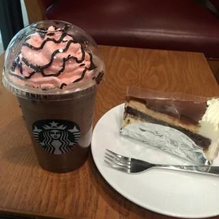 rasberry traffle mocha -  dari Starbucks Coffee (สตาร์บัคส์) (หลักสอง) di หลักสอง |Bangkok