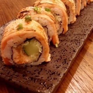 Salmon Flame Roll -  dari Sushigroove (Karet) di  |Jakarta
