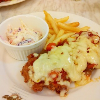 Chicken Parmigiana - Puchong Town Center's Tappers Cafe (Puchong Town Center)|Klang Valley