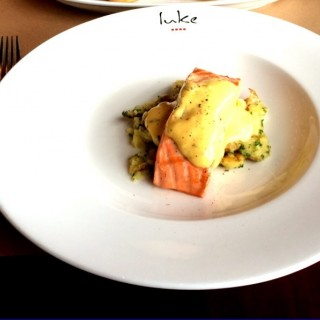 Salmon with crushed potatos and hollandaise -  Thamrin / Salt Grill (Thamrin)|Jakarta