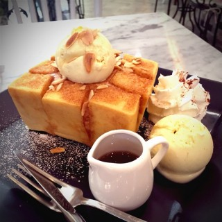 Secret toast - Bang Kloy's Secret Garden (ซีเคร็ท การ์เด้น) (Bang Kloy)|Bangkok