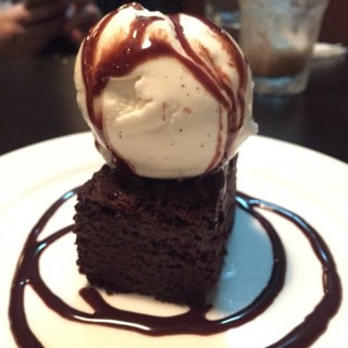 Brownie -  dari Kowloon East Kitchen (觀塘) di 觀塘 |Hong Kong