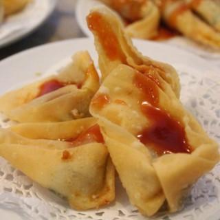 Pangsit Goreng isi Ayam (All You Can Eat) - 位於Serpong的Bamboo Dimsum (Serpong) | 雅加達