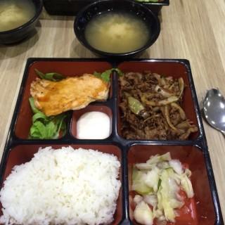Salmon + Beef Set - Novena's Japanese Cuisine - Kopitiam (Novena)|Singapore