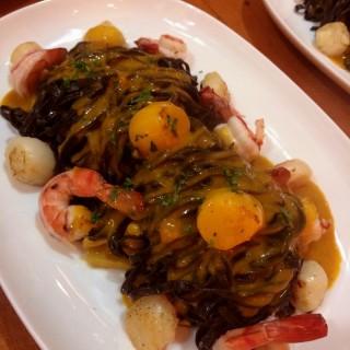 Black ink Seafood Pasta - San Lorenzo 's Spectrum (San Lorenzo )|Metro Manila