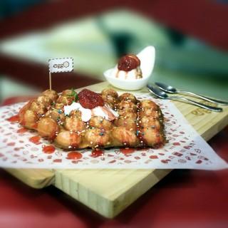Strawberry Shortcake -  dari Eggo Waffle (Kelapa Gading) di Kelapa Gading |Jakarta