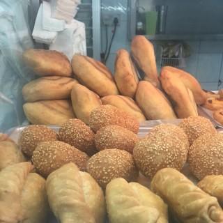 油条, 煎堆, 绿豆糕, 咸煎饼, 甜煎饼 & 蝴蝶 -  Bugis / 梧槽豆花 (Bugis)|Singapore