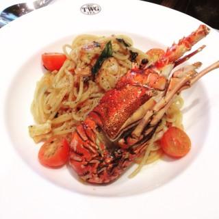 Lobster spaghetti - ในSenayan จากร้านTWG Tea Salon & Boutique (Senayan)|Jakarta