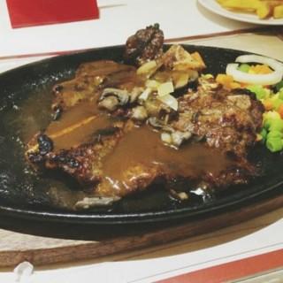 Tbone steak -  dari Boncafe (Gubeng) di Gubeng  Surabaya