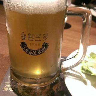 蜂蜜啤酒500西西 -  dari Lebledor (板橋區) di 板橋區 |New Taipei / Keelung