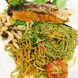 Grilled salmon soba salad -  Raffles Place / Wheat Baumkuchen (Raffles Place)|Singapore