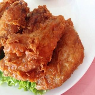 ไก่ทอด -  dari สุดใจไก่ย่าง 1 (ลาดยาว) di ลาดยาว |Bangkok