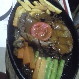 Sirloin Steak - Gubeng's Boncafe (Gubeng) Surabaya