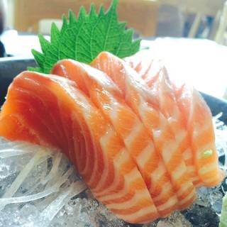 Salmon Sashimi -  ห้วยขวาง / Sushi Hiro (ซูชิ ฮิโระ) (ห้วยขวาง)|กรุงเทพและปริมลฑล