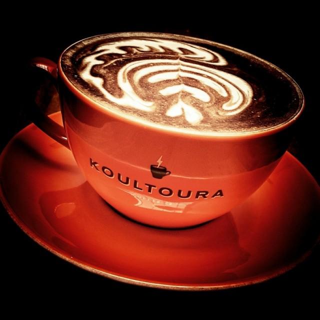 Hot Latte -  dari Koultoura Coffee di Green Ville |Kencan / Berpasangan - Jakarta