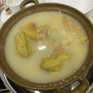 雞湯燉翅(中) -  dari 煥記海鮮飯店 (新馬路) di 新馬路 |Macau